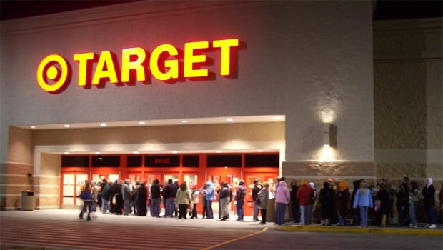 What's It Like To Be A Cashier On Black Friday?