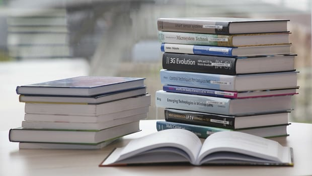 15 Useful Ways To Save Money On Textbooks in College
