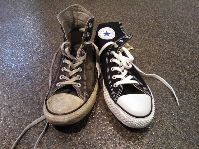 clean-your-shoes-with-magic-eraser