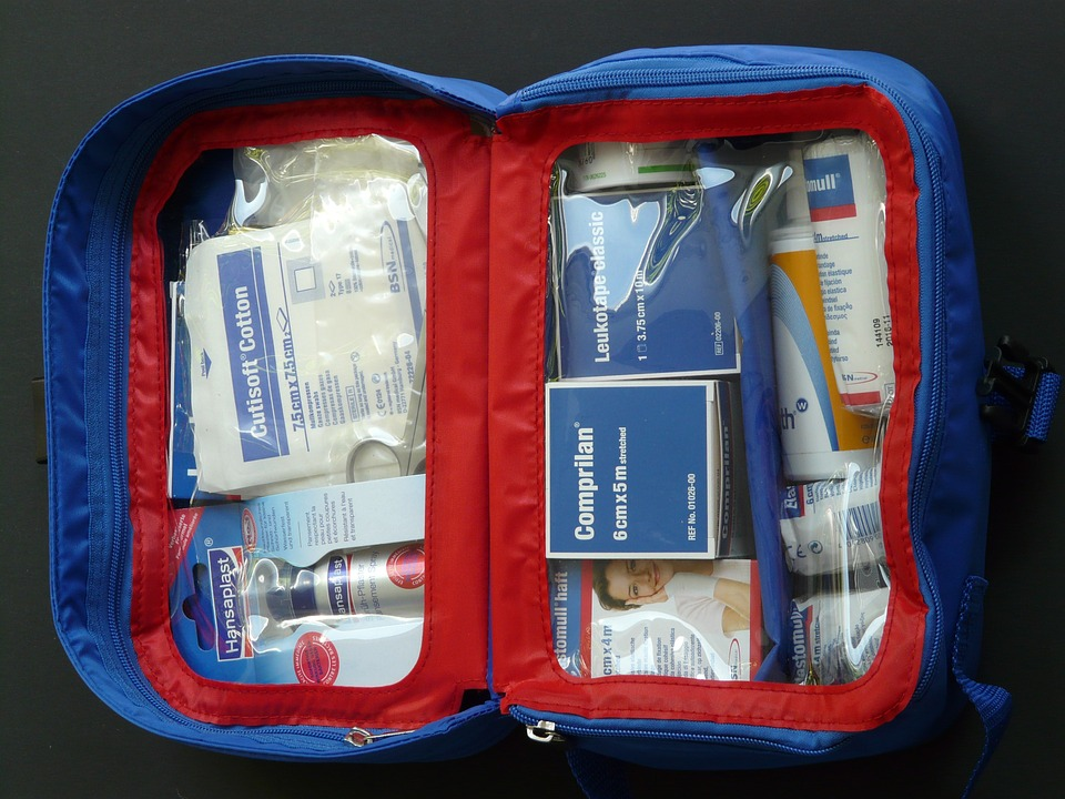 first-aid-kit-59646_960_720