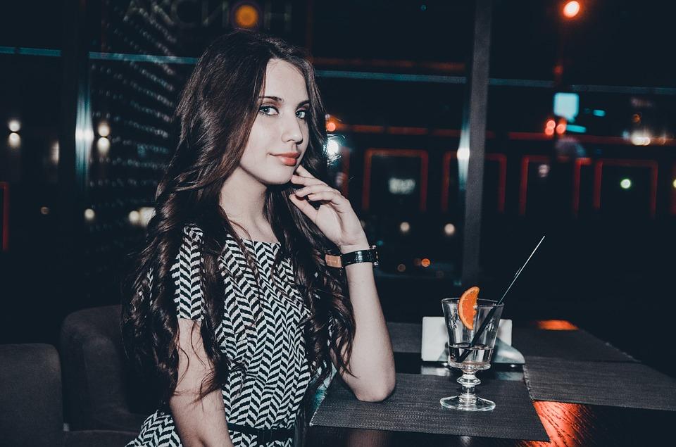 girl bar