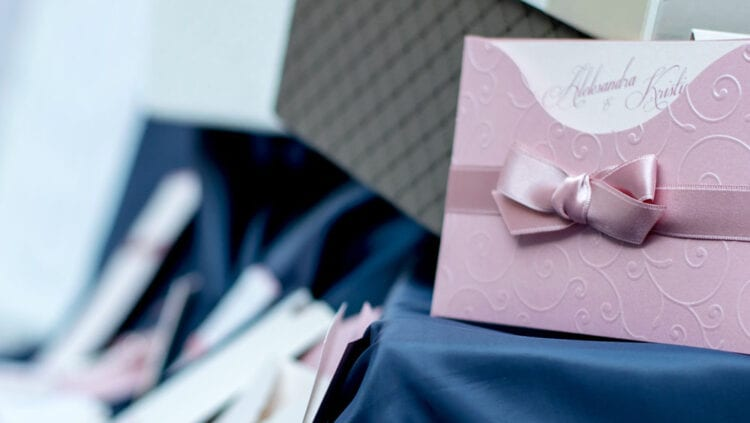 How to DIY Your Wedding Invitations Like a Pro