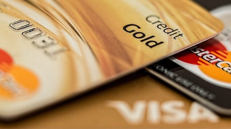 2 Credit Cards that Extend Benefits to Authorized Users
