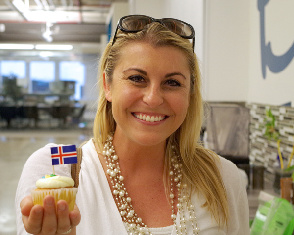 erin-and-cupcake