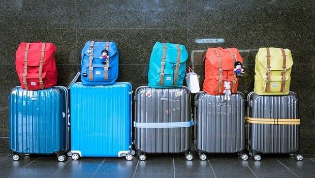How to Avoid Paying Baggage Fees When You Fly | Brad's Deals