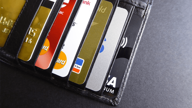 5 Times When You Should ALWAYS Use a Credit Card