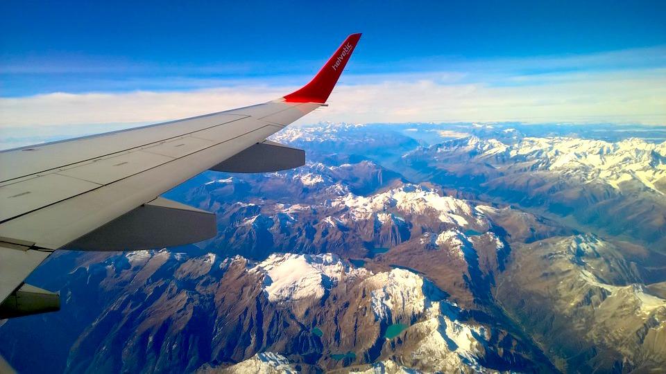 plane mountains