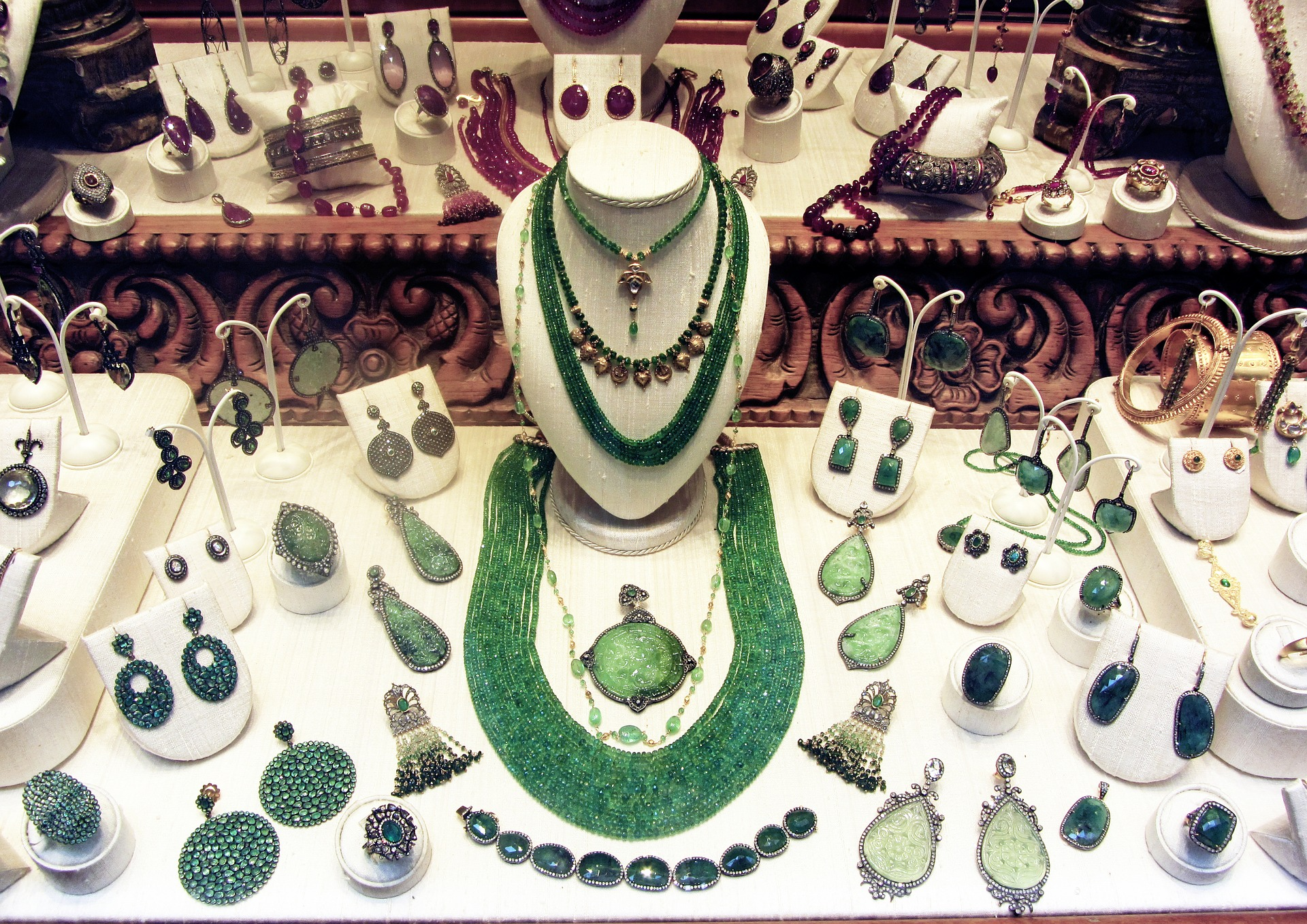 jewelry-2123425_1920