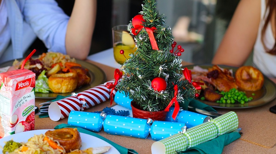 10 Must-Haves for a Picture Perfect Christmas Dinner