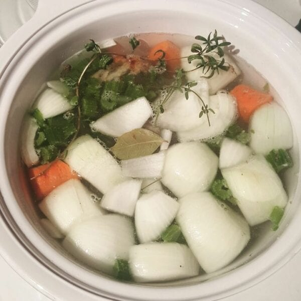 8-chicken-stock-cooking