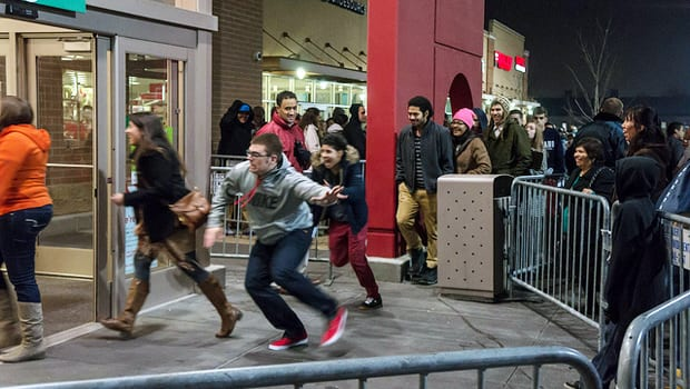Are Black Friday Retailers Saying Good Bye to Thanksgiving Hours?