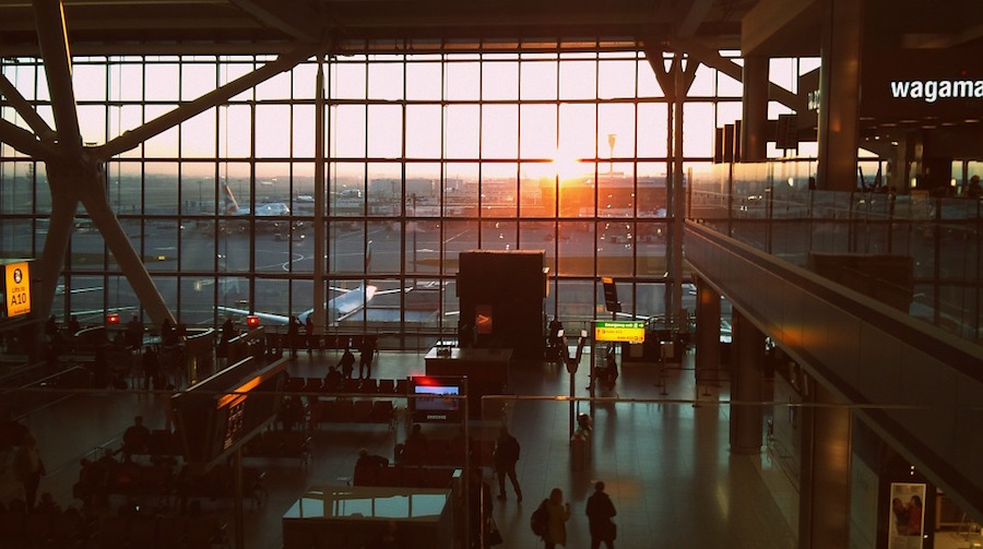5 Ways to Save at the Airport