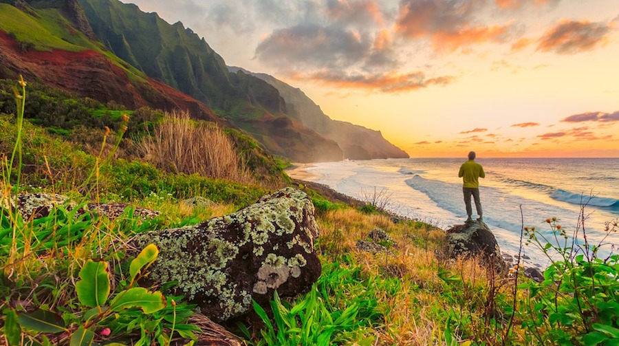 6 Ways to Enjoy Hawaii Without Going Broke