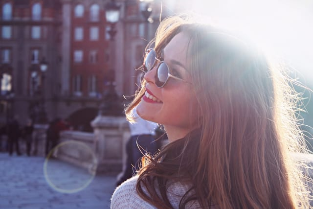 sunglasses-2560747_1920-resize