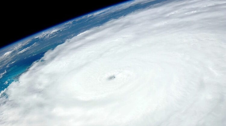 4 Ways to Get Home Safe When a Hurricane Crashes Your Vacation