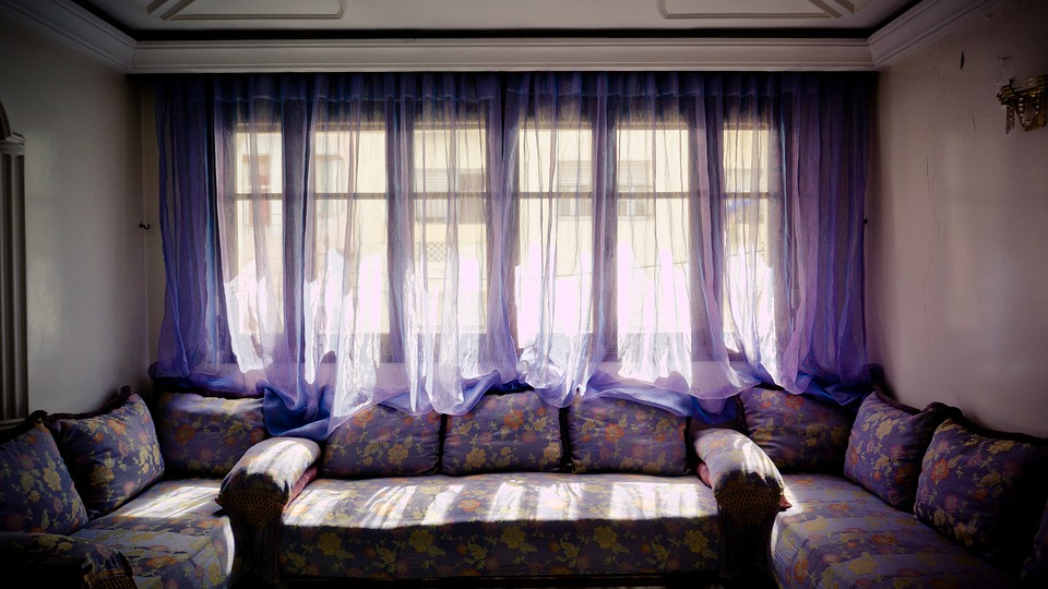 Lace Curtains And How To Clean Them Properly living room