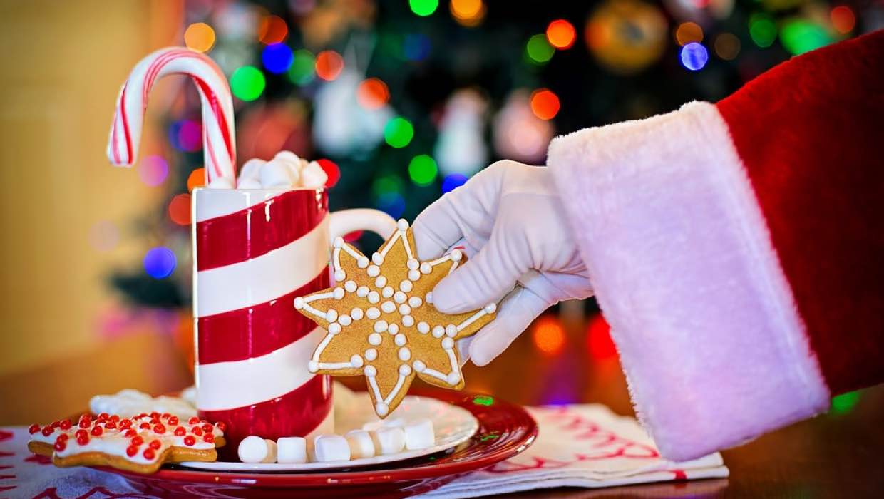 Our Favorite Holiday Treats & Sweets Santa Will Love (And You Too!)