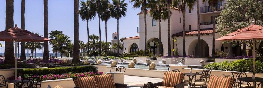 Hyatt Regency Huntington Beach lounge patio