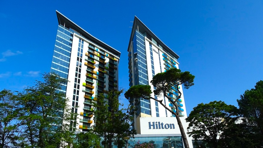 How to Use the Hilton Honors Program to Score Free Nights, Flights and Cash Back
