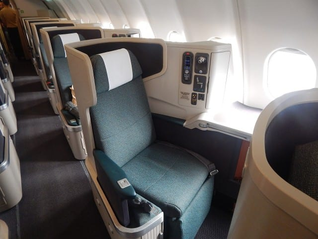 Business class seats, Emirates' ICE entertainment system