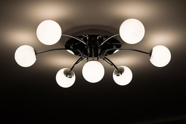 ceiling-lamp-335975_640