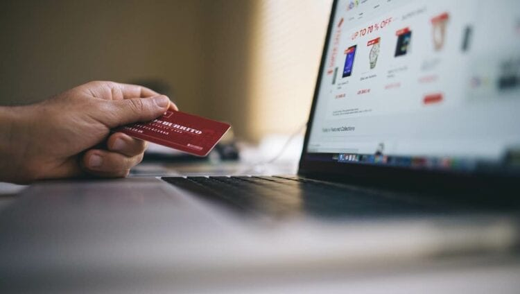 Save Even More Using the Best Credit Cards for Black Friday