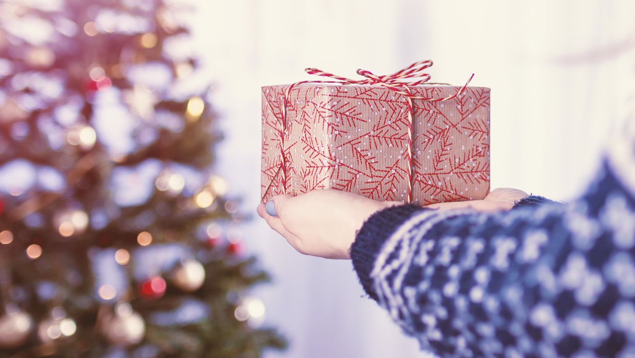 30+ Holiday Shipping Deadlines for Guaranteed Delivery by Christmas