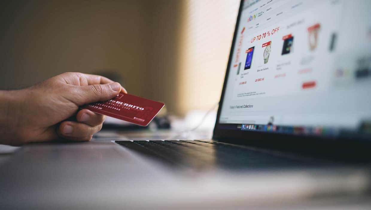 Avoid Making These Common Credit Card Mistakes During the Holidays