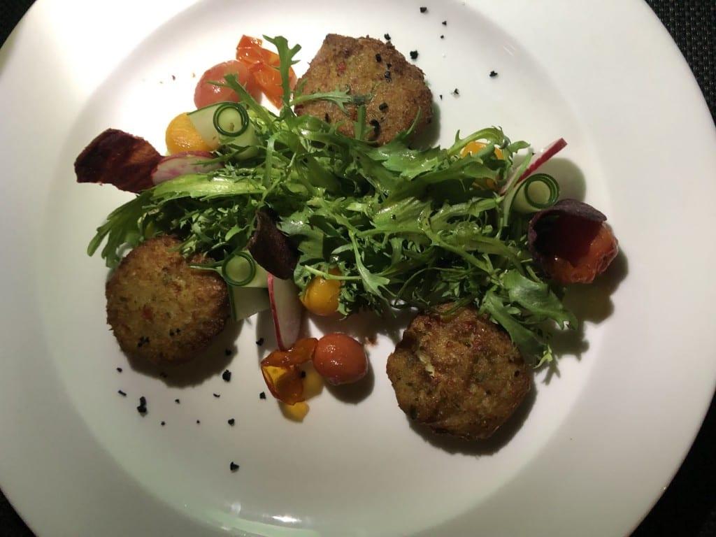 hilton-garden-inn-bali-dinner