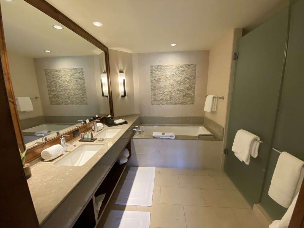 ritz-carlton-dove-mountain-bathroom