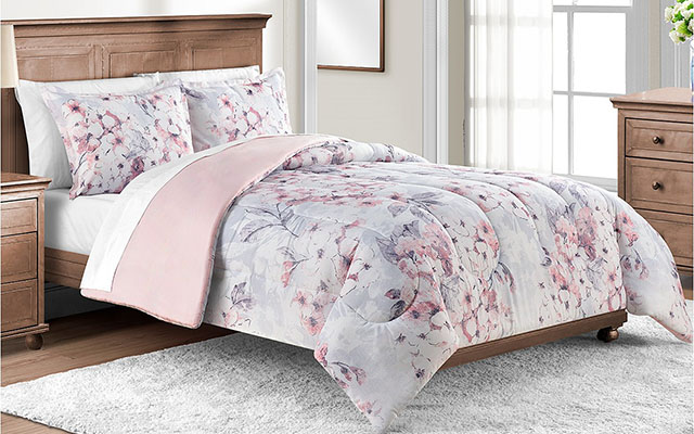 three piece bedding set
