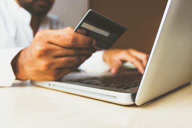 man online shopping at macys